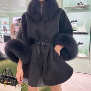 Real fox cape coat (Charcoal gray/Ivory)